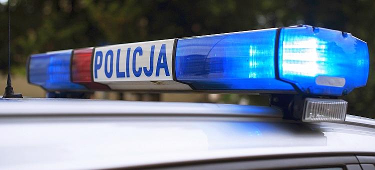 22-latek uciekał przed policją, bo miał zakaz kierowania pojazdami