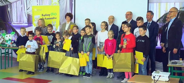 12202019_kamiensk_fbserwis_konkurs_smieciaki_final.mp4