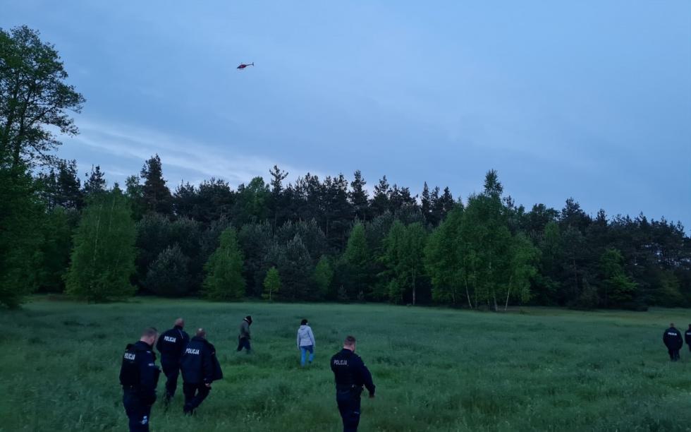 Ekipa śmigłowca odnalazła zaginioną 87-latkę