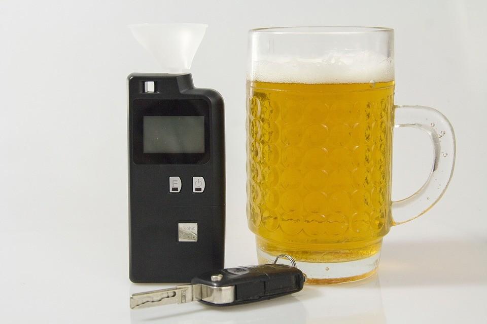 Pijany kierowca zatrzymany przez policje