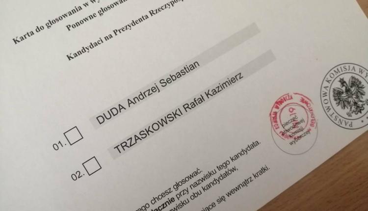PKW: Frekwencja na godzinę 12. Ilu Polaków już zagłosowało?
