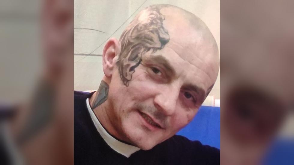 Policja poszukuje Tomasza Tomczaka, podejrzanego o zabójstwo.