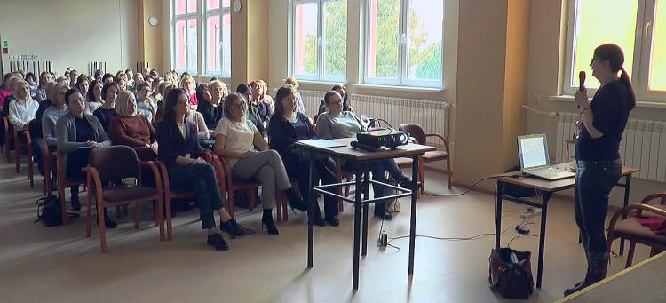 12102019_powiat_poradniappp_konferencja_uzaleznienia.mp4