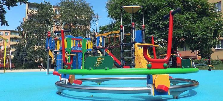 Nowy plac zabaw w parku na Budowlanych