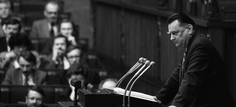 Żałoba narodowa po śmierci premiera Jana Olszewskiego