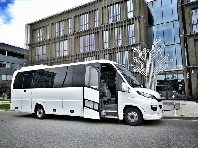 Wynajem busa Kraków - M Bus Przewóz osób